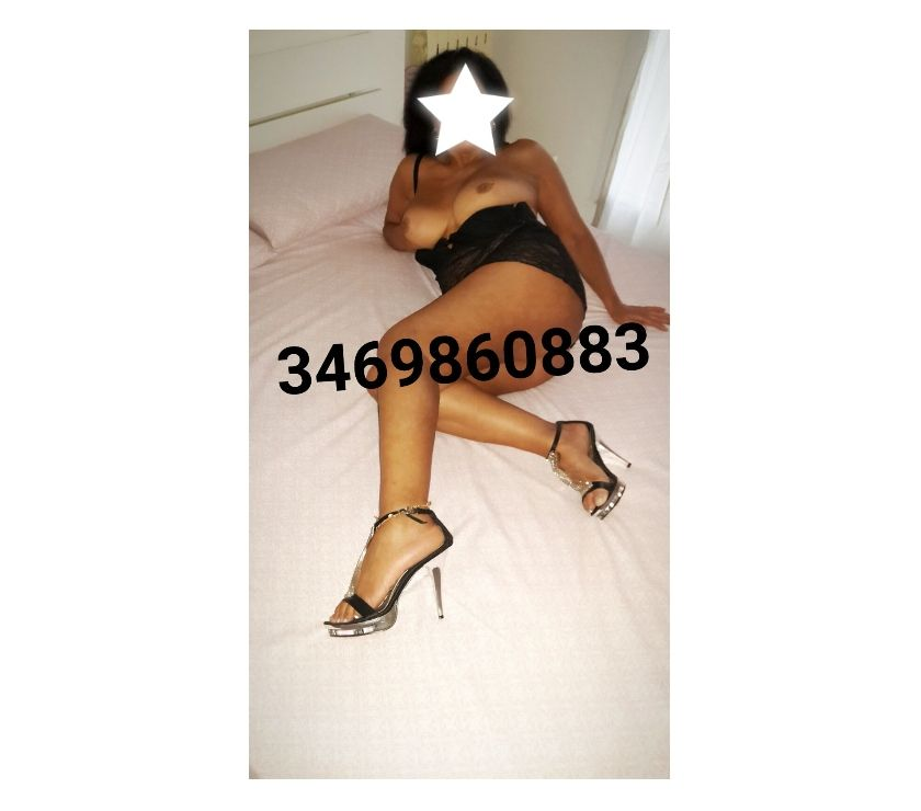 MARCELLA BEAUTIFUL WOMAN MATURE VERY HOT AND COMPLETE