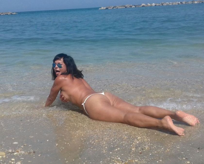 MIRIAM beautiful trans with magical hands x erotic massages